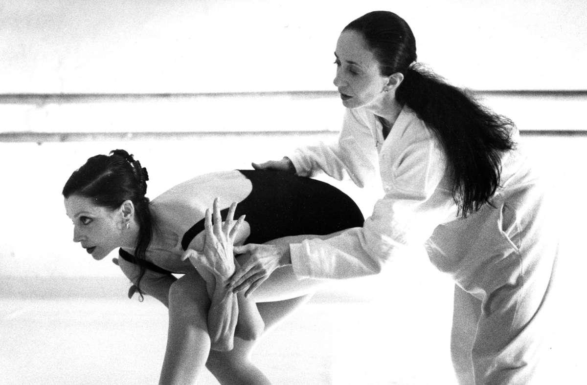 """Gundel Kilian beobachtete Birgit Keil (links) und  Marcia Haydée im Stuttgarter Opernhaus bei den Proben zu Haydées  Ballett """"Enas"""". Foto: Gundel Kilian/Gundel Kilian"""