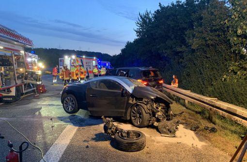 Fünf Verletzte nach Unfällen – stundenlange Vollsperrung der A81