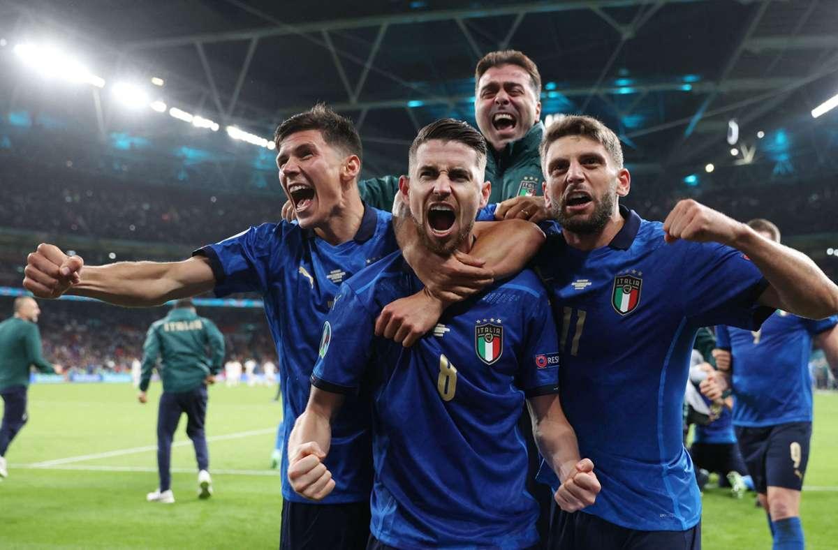 Jorginho und seine Italiener stehen im Finale. Foto: AFP/CARL RECINE