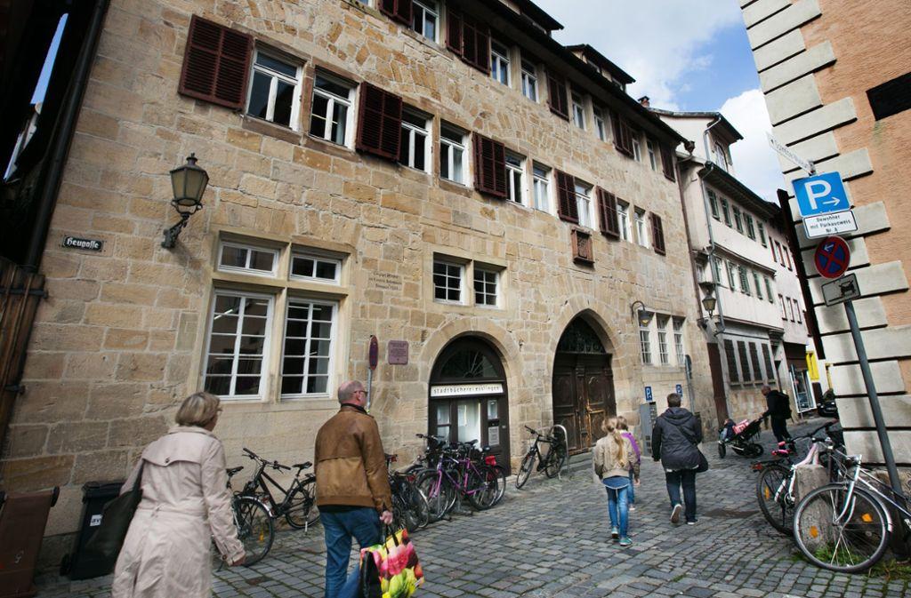 Bleibt die Stadtbücherei im Bebenhäuser Pfleghof? Foto: Ines Rudel