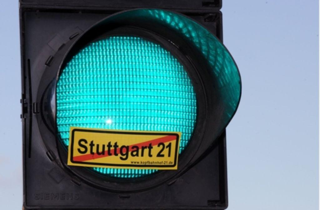 """Die Aktion """"SPD-Mitglieder gegen Stuttgart21"""" pocht auf die Einhaltung des Kostendeckels. Foto: dpa"""