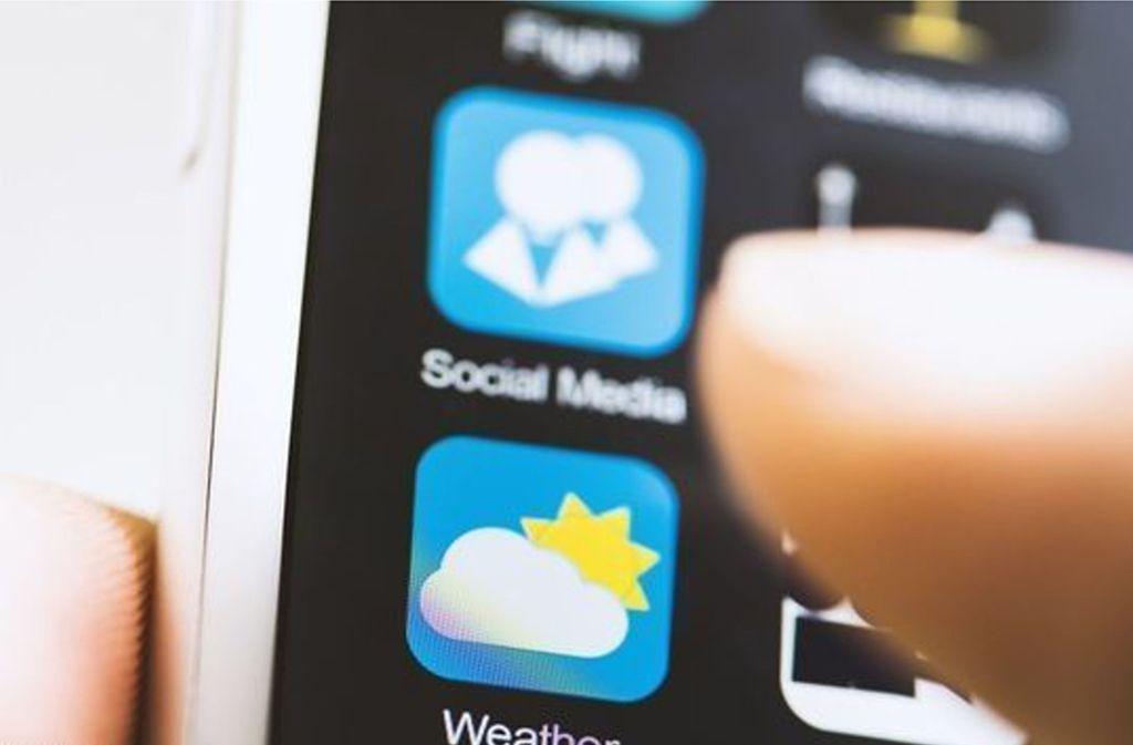 Was den Datenschutz angeht, nicht ganz unkritisch: Einmal erteilt, haben die Apps dauerhaft Zugriff auf den Standort der Nutzer. Foto: Glomex
