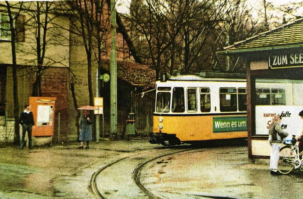 Am 26. April 1986 verlässt die letzte Straßenbahn der Linie 1 die Schleife am Rohrer See. Foto: Stuttgarter Straßenbahnen AG (z)