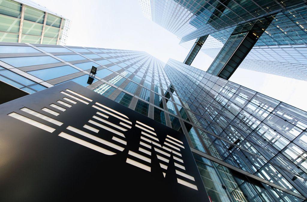Die IBM-Mitarbeiter sind zu einer Protestkundgebung aufgerufen (Symbolbild). Foto: dpa/Matthias Balk