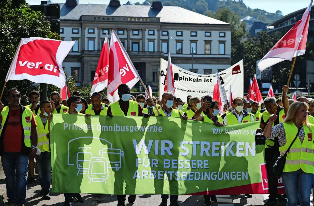Streikende in Stuttgart Foto: Lichtgut/Leif Piechowski