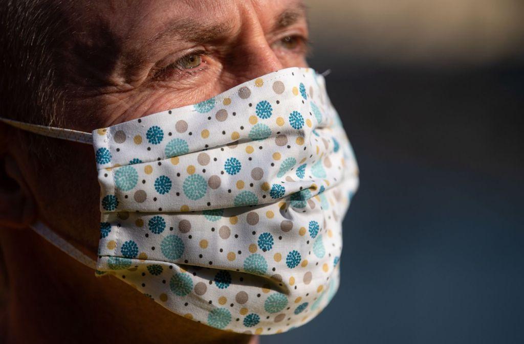 Schützt Mundschutz vor dem Coronavirus  – auch, wenn er selbst genäht wurde? Foto: dpa/Sven Hoppe