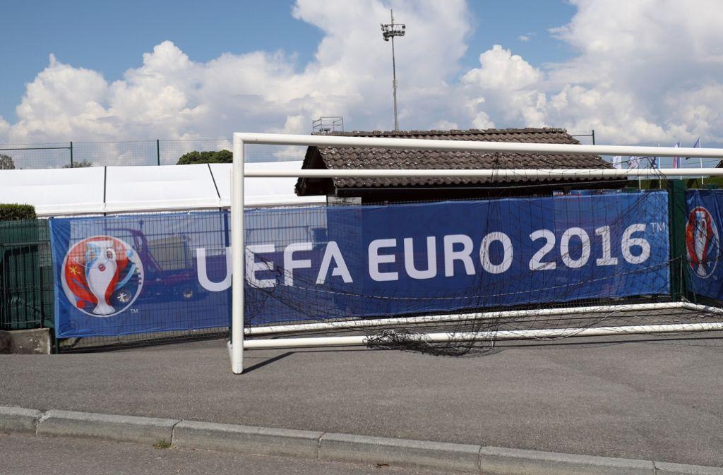 Wer schnappt sich bei der Fußball-EM 2016 den Titel? Foto: dpa
