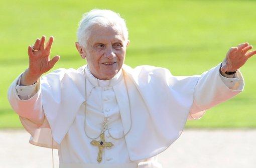 Ob der Papst bald auch seinen Segen Urbi et Orbi in die Welt zwitschert? Foto: dpa