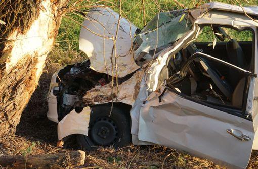 18-Jährige nach Unfall auf der B10 schwer verletzt