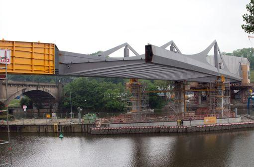 Brücke muss sieben Jahre auf Zug warten
