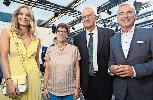 Miss Germany feiert mit Kretschmann und Strobl