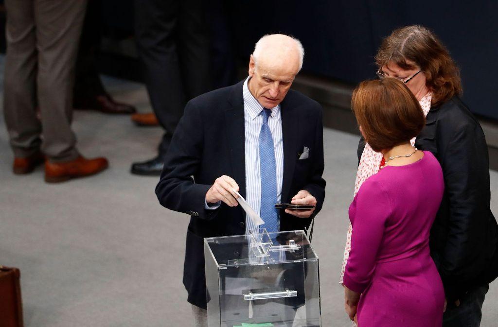 AfD-Politiker Albrecht Glaser ist bei drei Wahlgängen durchgefallen. Foto: AFP