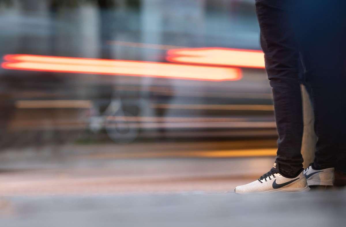 In Zukunft sollen mehr Wege zu Fuß zurückgelegt werden. Foto: dpa/Sebastian Gollnow