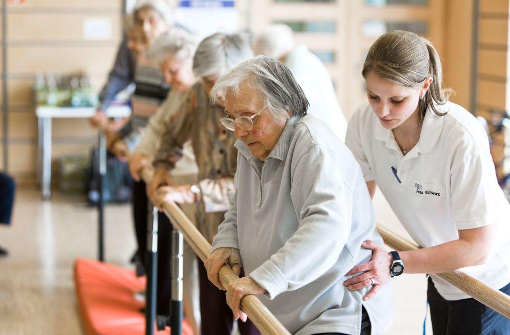 Der RBK-Förderverein ermöglicht der Klinik für Geriatrische Rehabilitation ein erweitertes Training von Bewegungs- und Gleichgewichtsaufgaben durch die Unterstützung bei der Anschaffung eines speziellen Robotersystems. Foto: Robert-Bosch-Krankenhaus