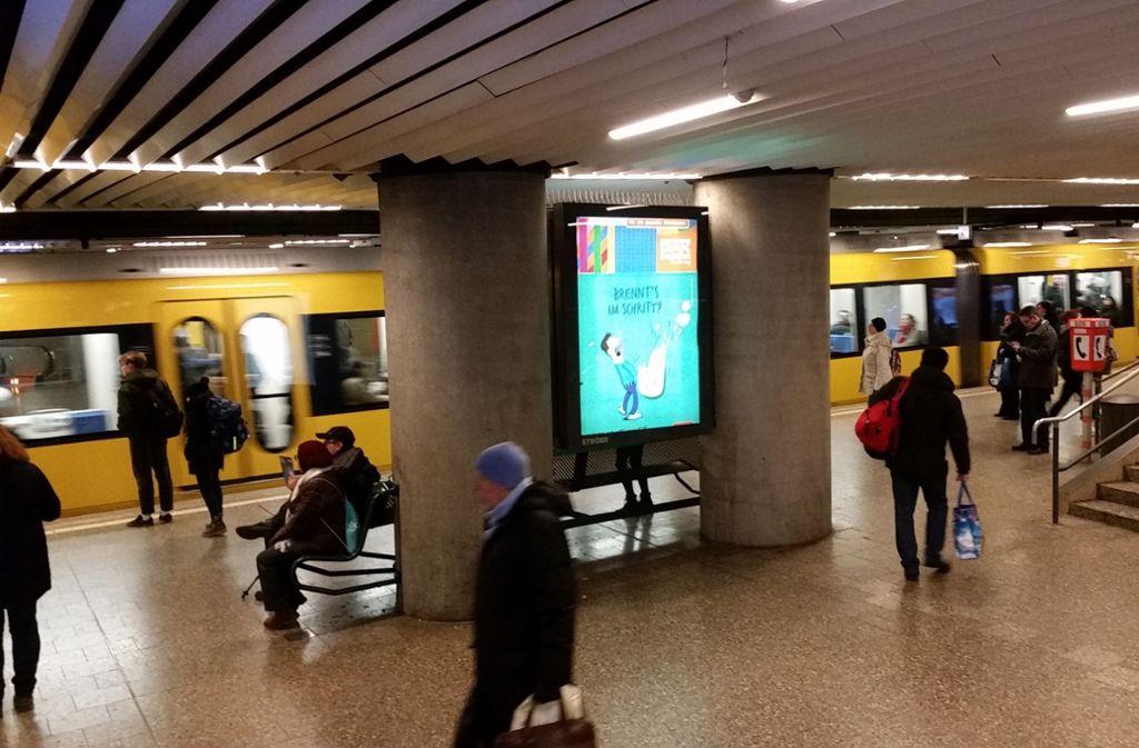 Sobald die Stadtbahn unterirdisch fährt, kann es Probleme geben  beim Streamen im Netz. Die Netzbetreiber  beginnen aber im Sommer mit dem Ausbau der Breitbandtechnologie LTE im Streckennetz. Foto: Hans Jörg Wangner