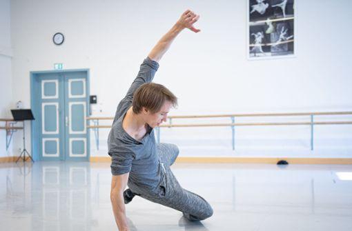 Stuttgarter Ballett tanzt auf dem Wasen