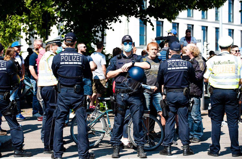 Nach dem brutalen Überfall abseits der Corona-Demo  am Samstag ermittelt die Polizei. Foto: 7aktuell.de/Marc Gruber