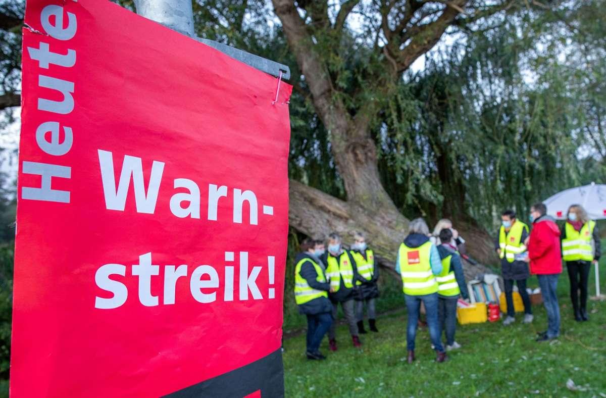 Der Tarifstreit soll an diesem Sonntag ein Ende haben (Archivbild). Foto: dpa/Jens Büttner