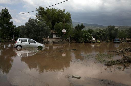 Mindestens sieben Tote nach schweren Regenfällen