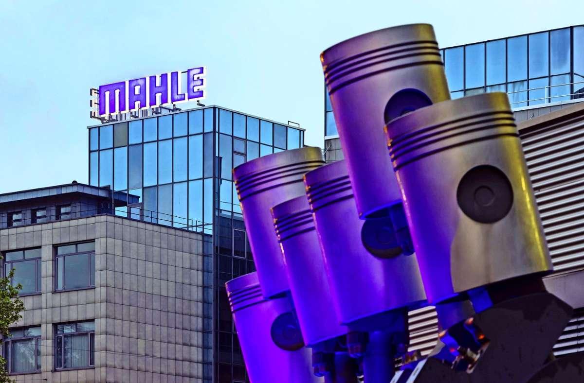 Der Zulieferer Mahle mit Sitz in Stuttgart will nach eigenen Angaben seinen weltweiten Personalbestand erheblich verringern. Foto: imago images/Arnulf Hettrich