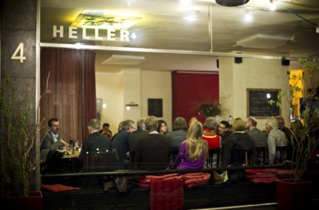 Erneut laden wir Sie zur Diskussion mit unseren Redakteuren ins Stuttgarter Café Heller ein. Foto: Lichtgut/Max Kovalenko
