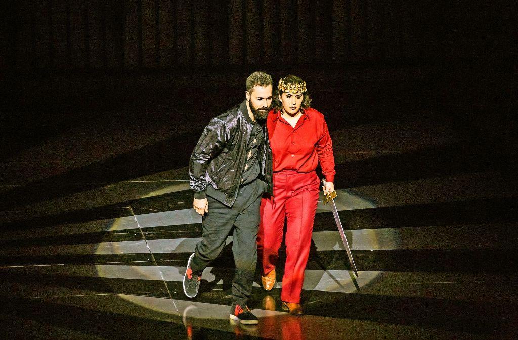 Polinesso (Christophe Dumaux) und Ariodante (Diana Haller) Foto: Christoph Kalscheuer