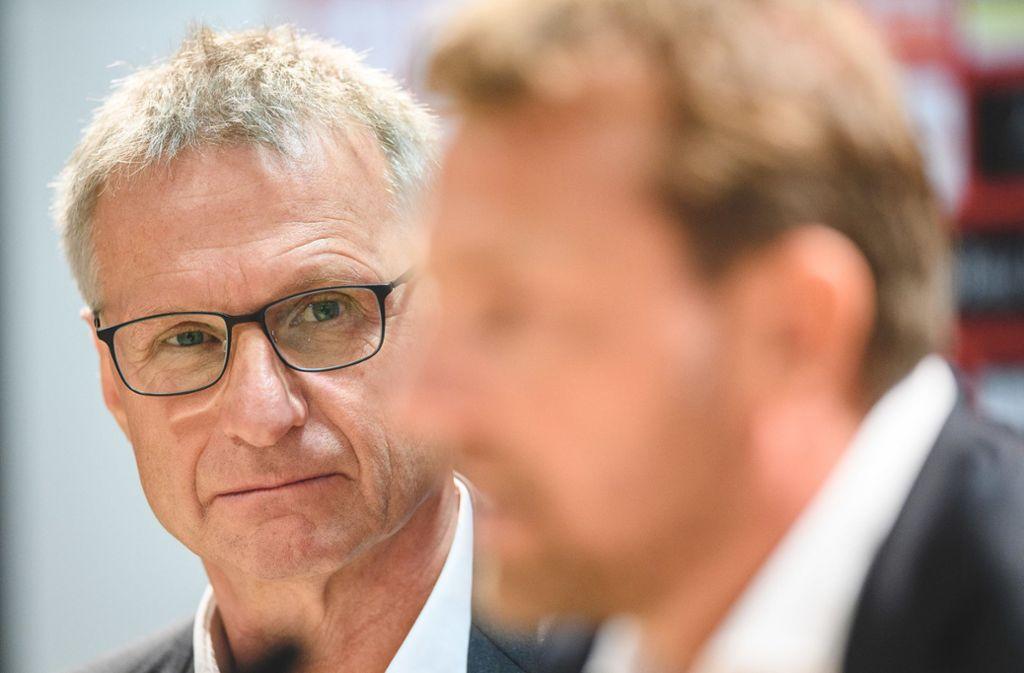 Im Kreuzfeuer der Kritik: Michael Reschke Foto: dpa