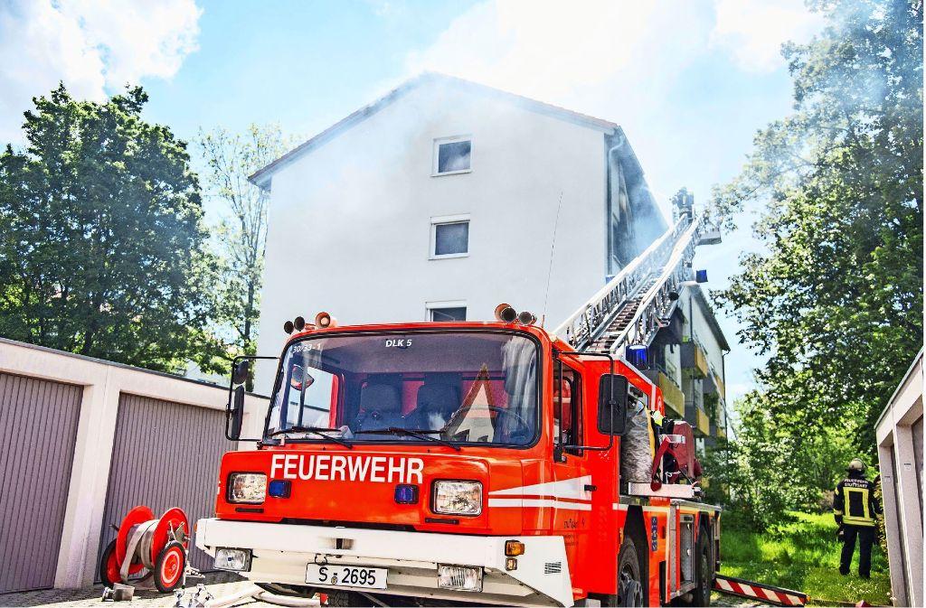 Am Sonntagmittag hat es auf dem Fasanenhof gebrannt. Foto: SDMG