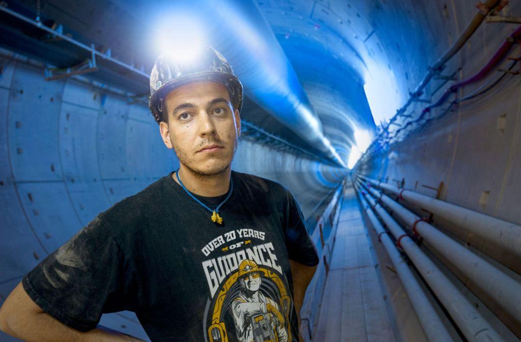 Der 28-jährige Christoph Ronacher aus Kärnten arbeitet im Fildertunnel. Seine Familie sieht er nur in großen Abständen. Foto: Lichtgut/Leif Piechowski