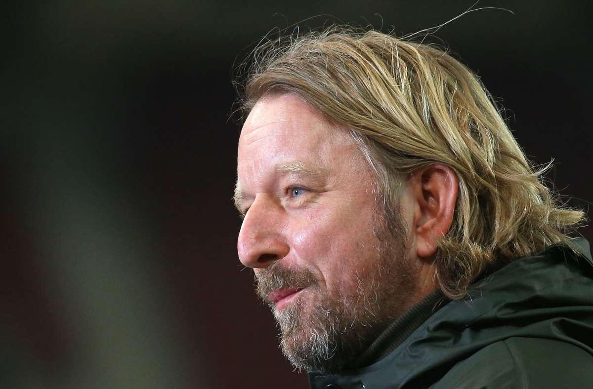 Sven Mislintat hat erneut verkündet, dass sich der VfB auf dem Transfermarkt zurückhalten will. Foto: Pressefoto Baumann