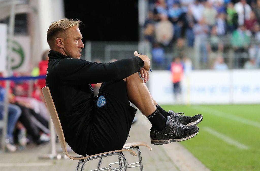 Für den Co-Trainer Erol Sabanov sind die Kickers-Spiele zurzeit nicht so entspannt. Foto: Baumann