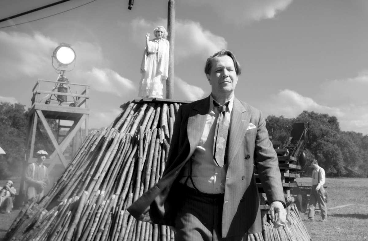 """Gary Oldman in """"Mank"""" als Drehbuchautor Herman J. Mankiewicz, Amanda Seyfried als Schauspielerin  Marion Davies Foto: Netflix"""