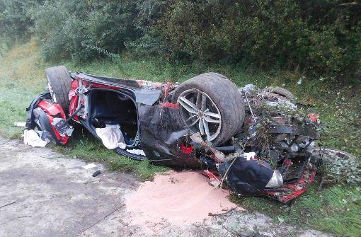 Ferrari überschlägt sich mehrfach auf der Autobahn A7