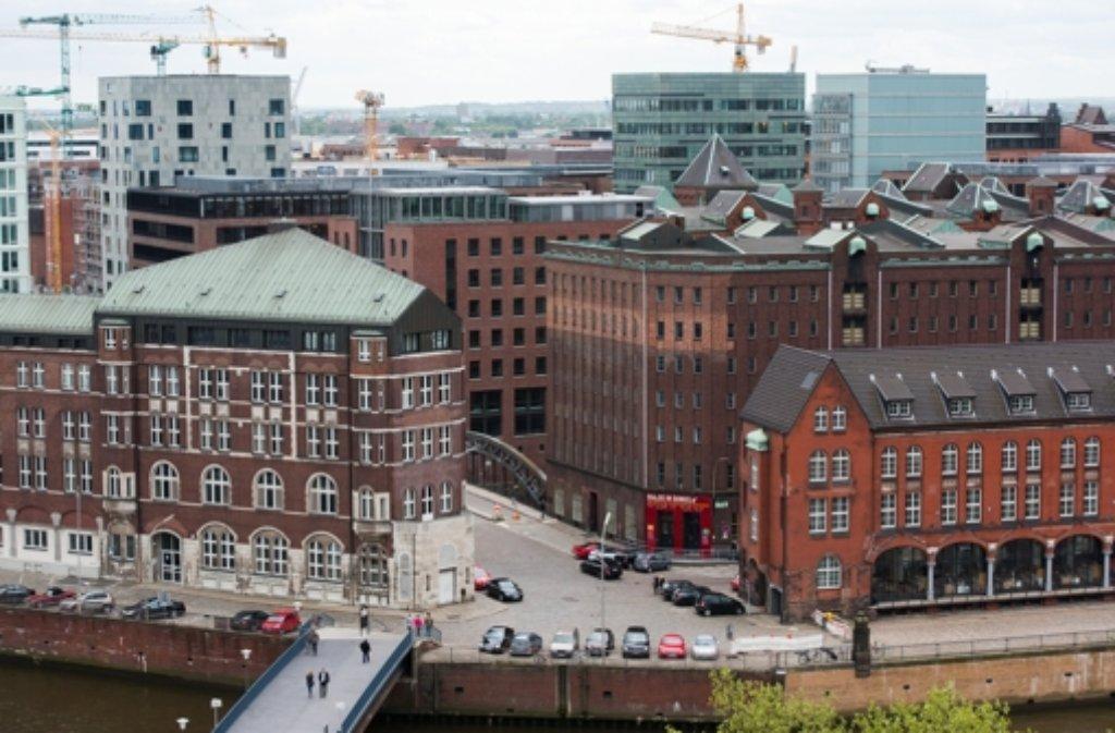 Die Speicherstadt in Hamburg könnte das nächste Weltkulturerbe in Deutschland werden.  Foto: dpa