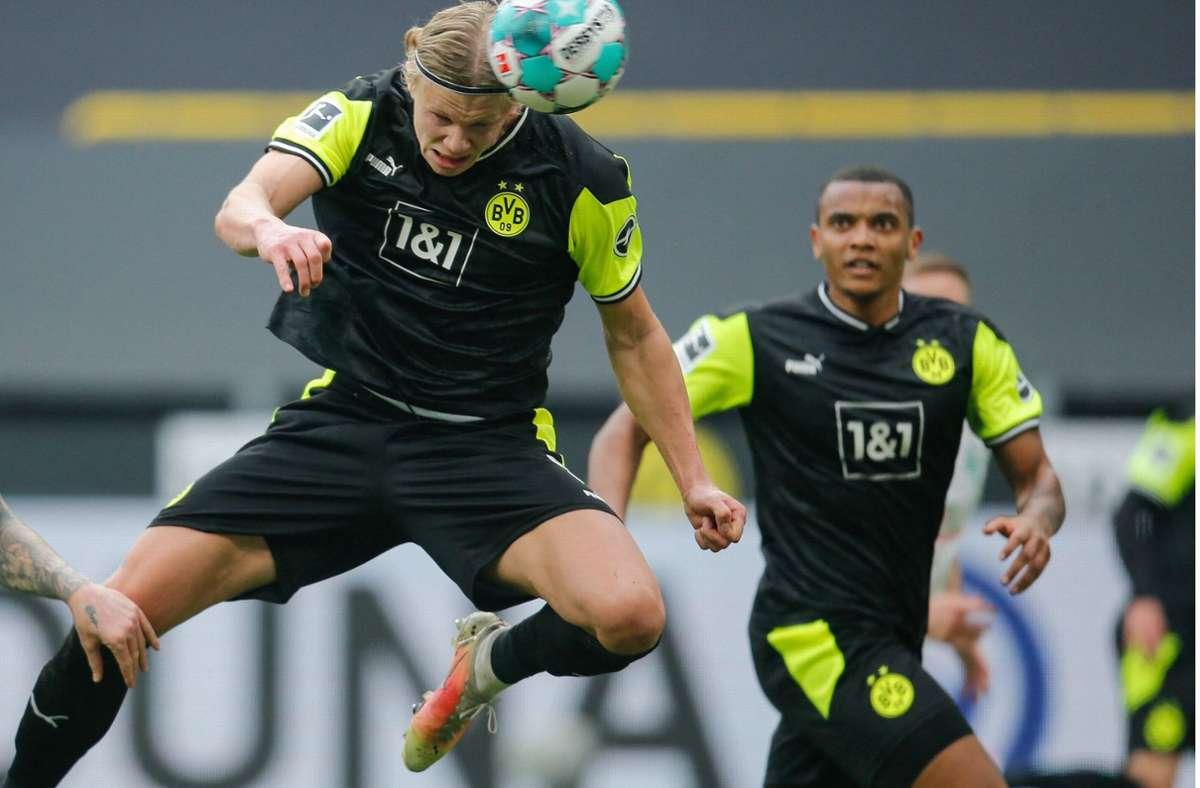 Erling Haaland traf gegen Werder Bremen doppelt. Foto: AFP/LEON KUEGELER