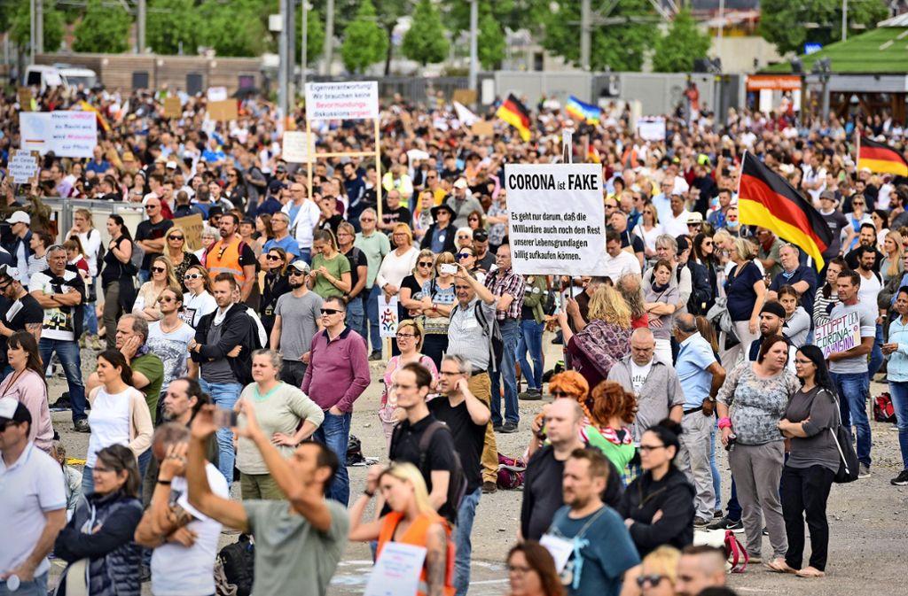 Die zugelassene Höchstzahl von 10000 Teilnehmern sei nicht überschritten worden, teilen Stadt und Polizei mit. Foto: Lichtgut/Max Kovalenko