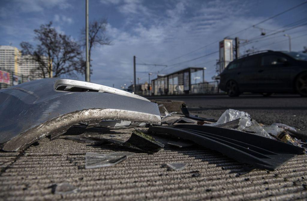 In Berlin-Marzahn ist ein Mann von einem Polizeiwagen erfasst und tödlich verletzt worden. Foto: dpa/Paul Zinken