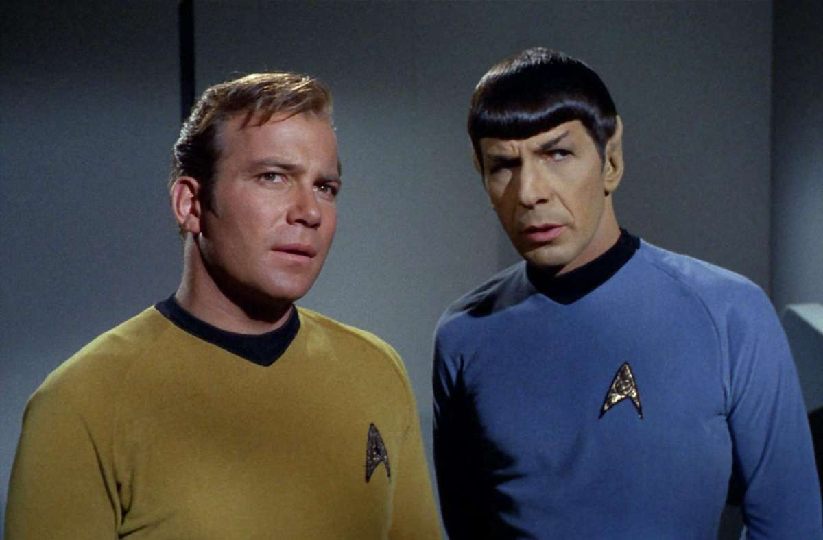 William Shatner als Captain Kirk (li.), Leonard Nimoy als Mr. Spock Foto: CBS