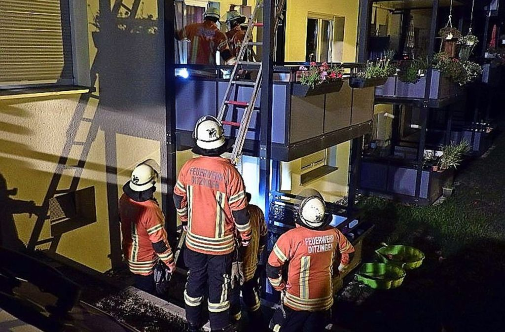 In der Bauernstraße fanden  die Einsatzkräfte einen Verstorbenen. Foto: Feuerwehr Ditzingen