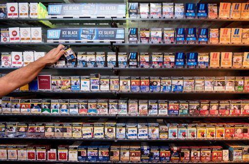 Hunderte Schachteln Zigaretten aus Tankstelle gestohlen