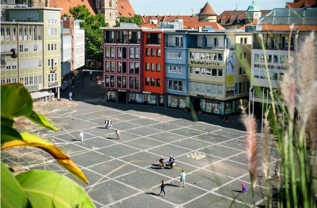 Das Kassettenmuster, das den Marktplatz seit einem Umbau 1974 prägt, wird wohl bald der Vergangenheit angehören. Foto: Lichtgut/Achim Zweygarth
