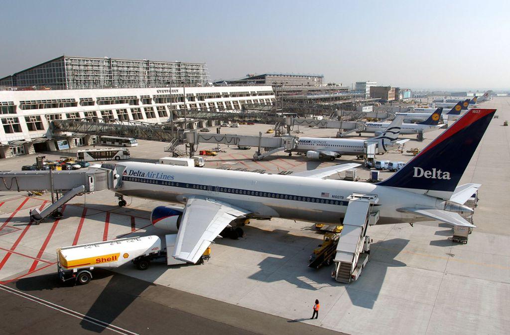 Muss auf den Flugverkehr Einfluss genommen werden? Die Geister scheiden sich. Foto: Flughafen Stuttgart GmbH Foto: