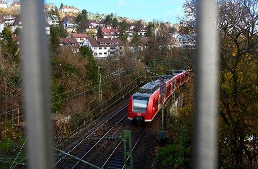 Die Panoramabahn soll nach Vaihingen fahren und den Bahnkunden eine schöne Aussicht über Stuttgart bieten. Foto: Michael Steinert