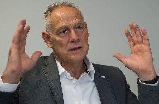 Künftiger DGB-Chef  will Rechten die Stirn bieten