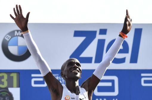 Kenianer Eliud Kipchoge gewinnt mit Fabel-Weltrekord