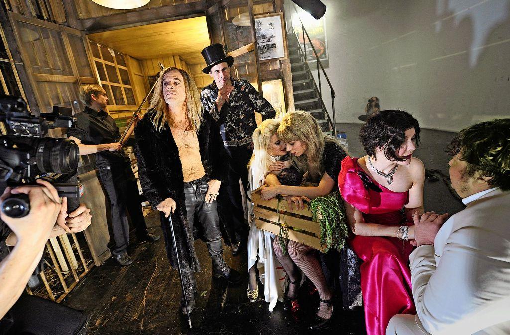 """""""Gothic Faustus Picture Show"""" mit Martin Wuttke, Marc Hosemann, Hanna Hilsdorf, Lilith Stangenberg, Valery Tscheplanowa und Daniel Zillmann (von links) Foto:"""