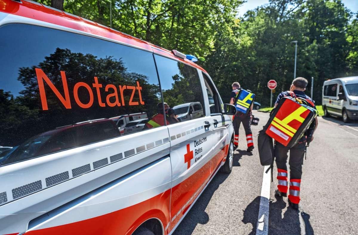 Braucht der Kreis  einen weiteren Notarztstützpunkt?  Der Bereichsausschuss wartet auf Antworten der  Kliniken. Foto: Giacinto Carlucci