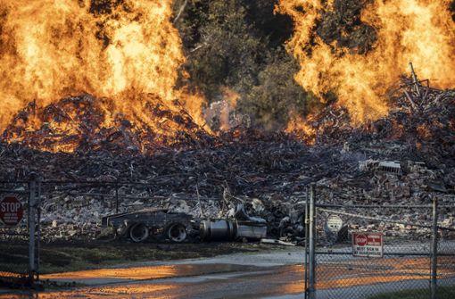 Feuer verschlingt  45.000 Fässer Jim Beam
