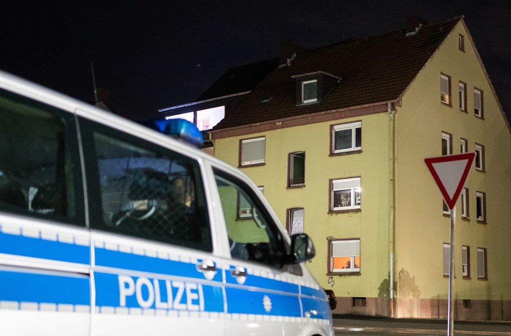 In diesem Wohnhaus wurde der 15-Jährige gefunden. Foto: dpa/Marcel Kusch
