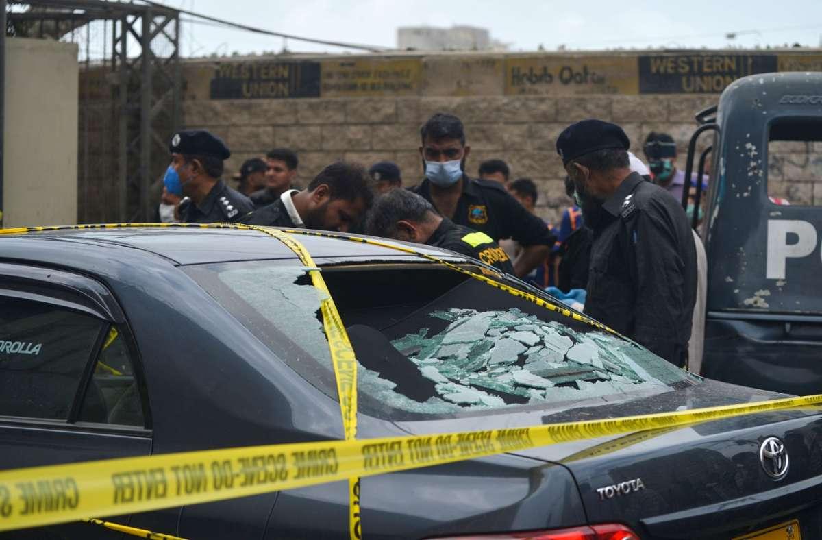 Die Angreifer waren mit Schnellfeuergewehren und offenbar auch Granaten bewaffnet. Foto: AFP/RIZWAN TABASSUM